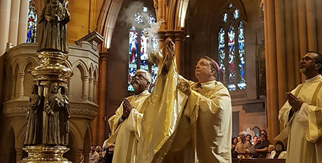 Archbishop Anthony Fisher OP at St Mary's Cathedral on Easter Sunday (Giovanni Portelli)