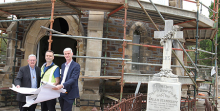 Adelaide priest Fr Maurice Shinnick, architect Ian Hamilton and Adelaide Cemetaries Authority representative Michael Robertson outside the Smyth Chapel (The Southern Cross)