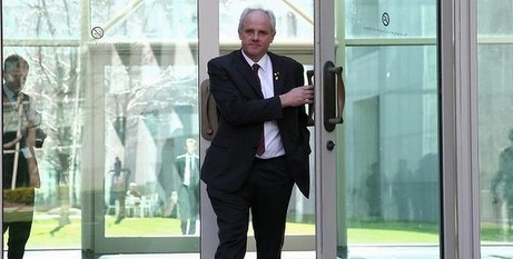 Snr Madigan leaving Parliament