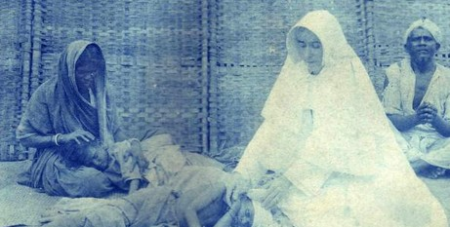 Sr Mary Glowrey tending to the sick in India