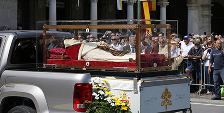 The body of St John XXII arrives in Bergamo yesterday (CNS/Paul Haring)