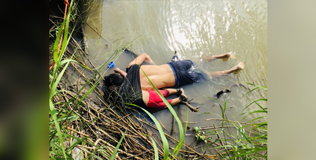The bodies of Oscar Alberto Martinez Ramirez and his 23-month-old daughter, Valeria, were found near the US border with Mexico on Monday (CNS/Reuters)