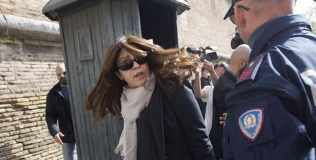 Chaouqui arrives at the trial