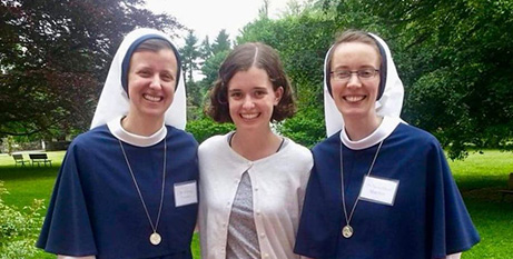 Nancy Webb (centre) with two Sisters of Life (ABC News/Nancy Webb)