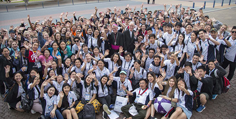 Perth youth with Archbishop Timothy Costelloe and Bishop Don Sproxton at ACYF 2017 (The Record/Jamie O'Brien)