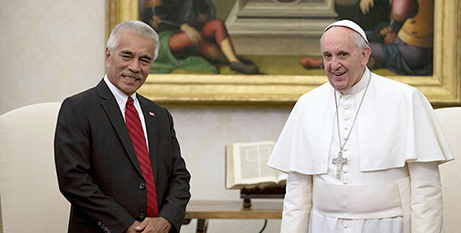 Anote Tong with Pope Francis at the Vatican in 2015 (CNS)