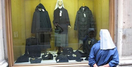 Nun goes window shoping