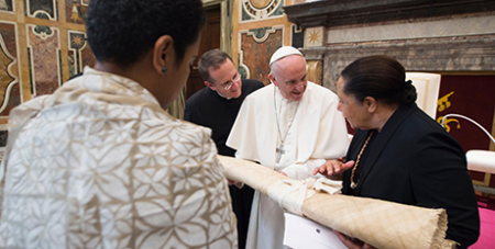 Pope Francis meets Pacific Islands leaders (CNS/LOsservatore Romano)