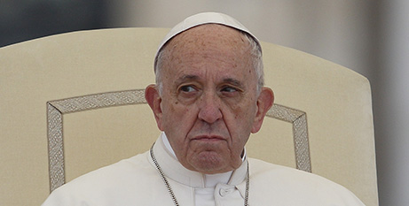 Pope told doctors to care for the sick without shortening their life (CNS/Paul Haring)