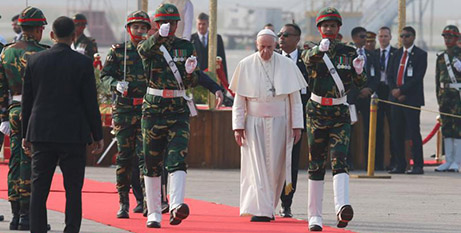 Pope Francis arrives in Bangladesh (CNS/Paul Haring)