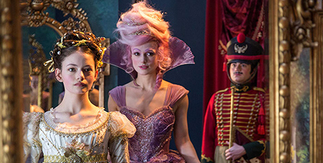 Keira Knightley (right) and Mackenzie Foy in The Nutcracker and the Four Realms (Disney Enterprises/Laurie Sparham)