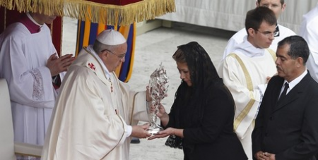 Francis with Floribeth Diaz