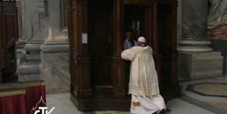 Francis goes to Confession