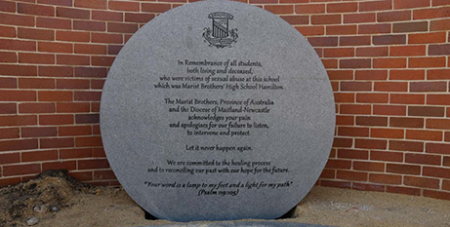 The memorial stone at St Francis Xavier College in Hamilton (MNnews.today)