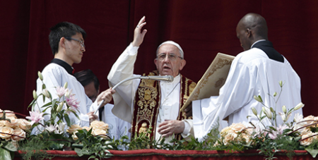 """Pope Francis delivers the """"Urbi et Orbi""""(CNS/Paul Haring)"""