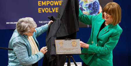 Sr Eveline Crotty RSM and Sr Mary Moloney RSM unveil the plaque (Sisters of Mercy/Peter Casamento)