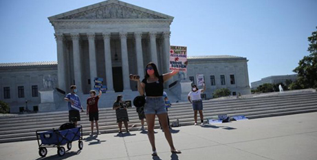 Pro-life activists outside the Supreme Court in Washington yesterday (CNS/Carlos Barria, Reuters)