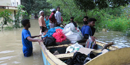 Salesians in Kerala arranged boats to reach out to those affected by the floods (Salesian Missions)