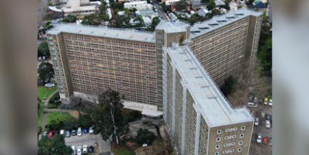 One of the public housing towers in North Melbourne that was subject to a hard lockdown in July (ABC News/Simon Winter)