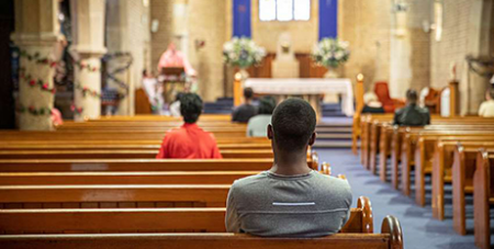 Sydney parishioners observe social distancing guidelines in the last Mass at St Charles Borromeo, Ryde, before the current shutdown (The CatholicWeekly/Alphonsus Fok)