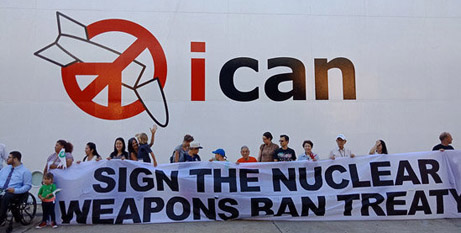 Supporters of the Treaty on the Prohibition of Nuclear Weapons sharing their message in Fremantle. (ICAN website)