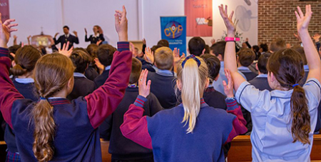 Primary school students attend a Catholic Youth Parramatta and Catholic Education Diocese of Parramatta event in 2019 (Parramatta Diocese/Mary Brazell)