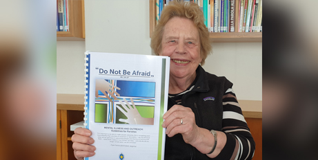 """Sr Myree Harris RSJ with the new """"Do Not Be Afraid"""" document (ACBC)"""