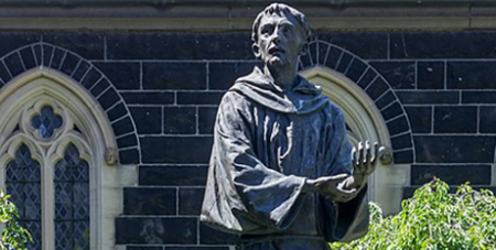 A statue of St Francis of Assisi at Melbourne's St Patrick's Cathedral (Wikimedia/ Crisco1492)