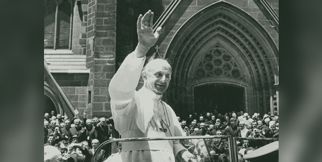 St Paul VI arrives at St Mary's Cathedral in Sydney during his 1970 visit to Australia (The Catholic Weekly)